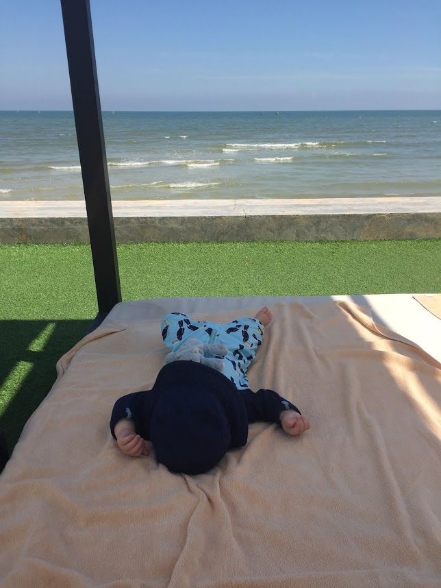 A lazy little beachfront nap.