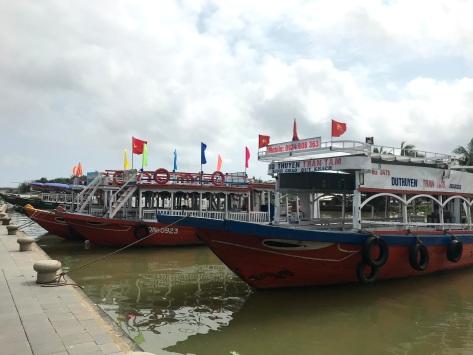Many boats ready to take out tourists.