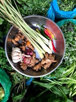 Classic Vietnamese flavours: garlic, turmeric, ginger, lemongrass & chili.